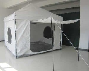 tent with magnetic screen door